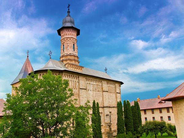Dragomirna-Monastery-3
